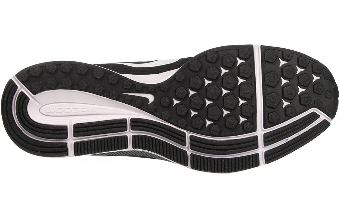 518b5c38e1d93 ... the outsole of the Nike Air Zoom Pegasus 34 features excellent tread on  the medial and ...