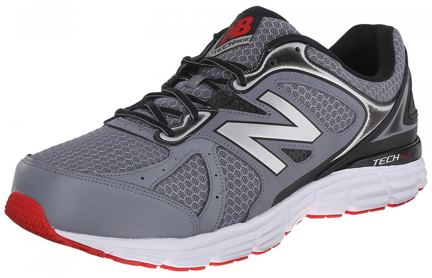 An angled perspective of the New Balance 560V6.