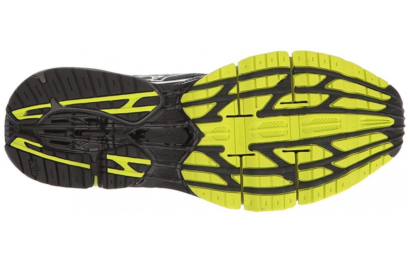 The outsole is made using a durable carbon rubber.