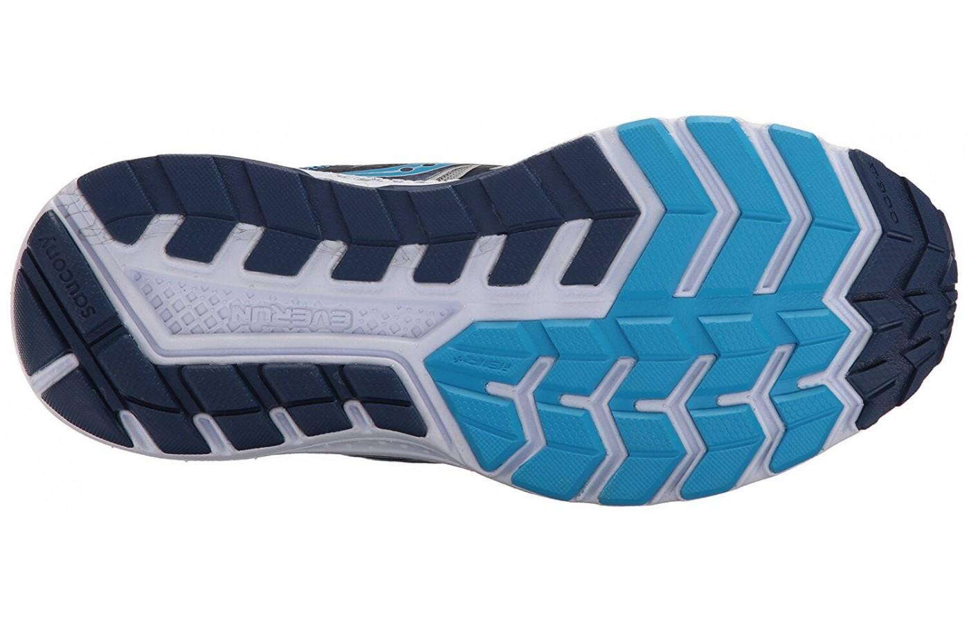 The TRI-FLEX outsole adds traction and flexibility