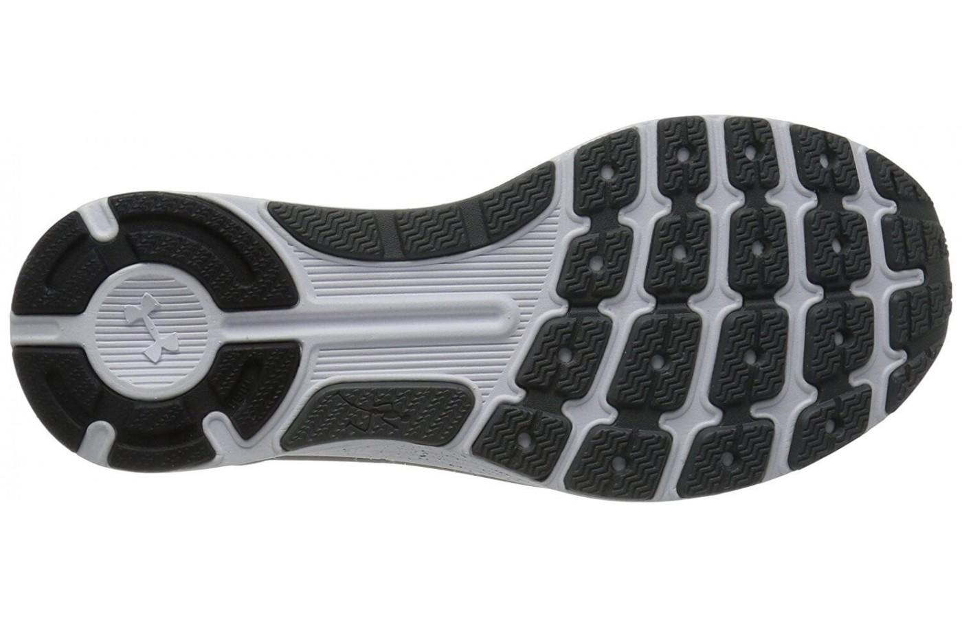 The flex grooved in the outsole provide added flexibility.