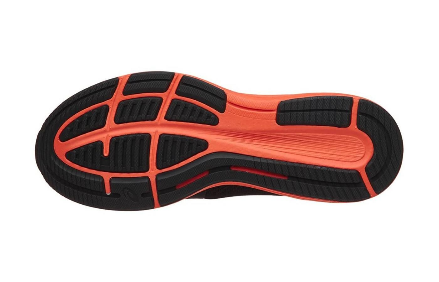 a look at the outsole of the asics roadhawk ff