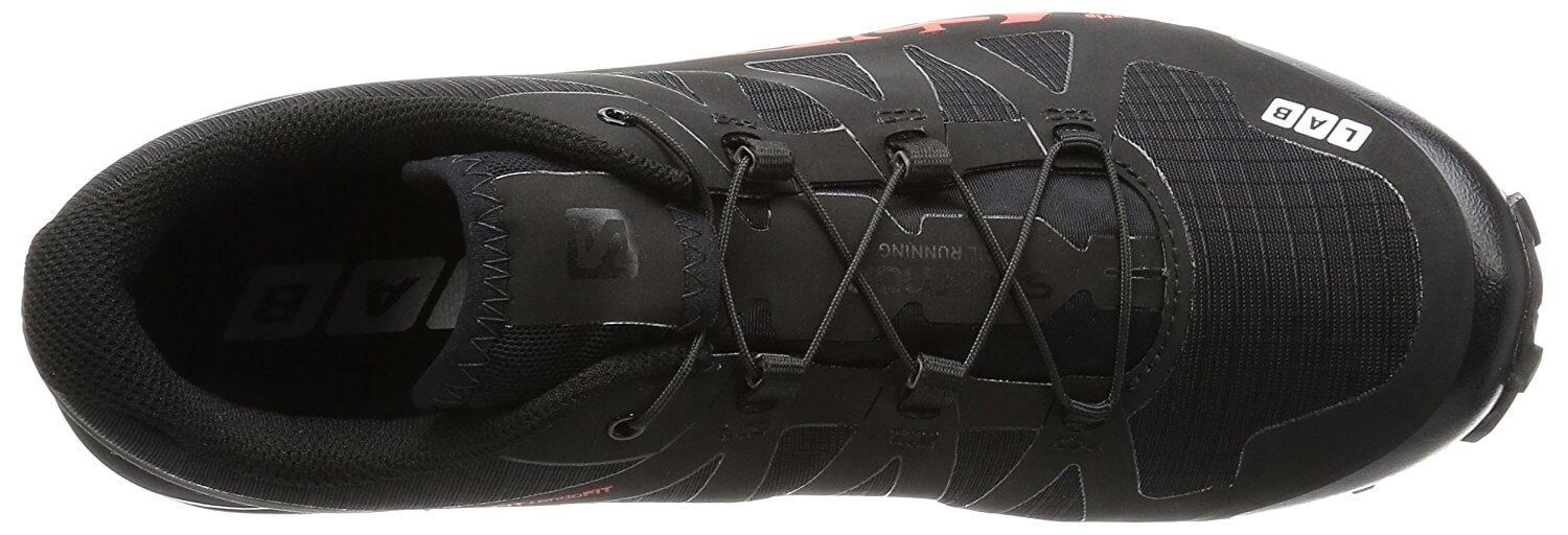 The bungee laces of the upper help keep the foot secure.