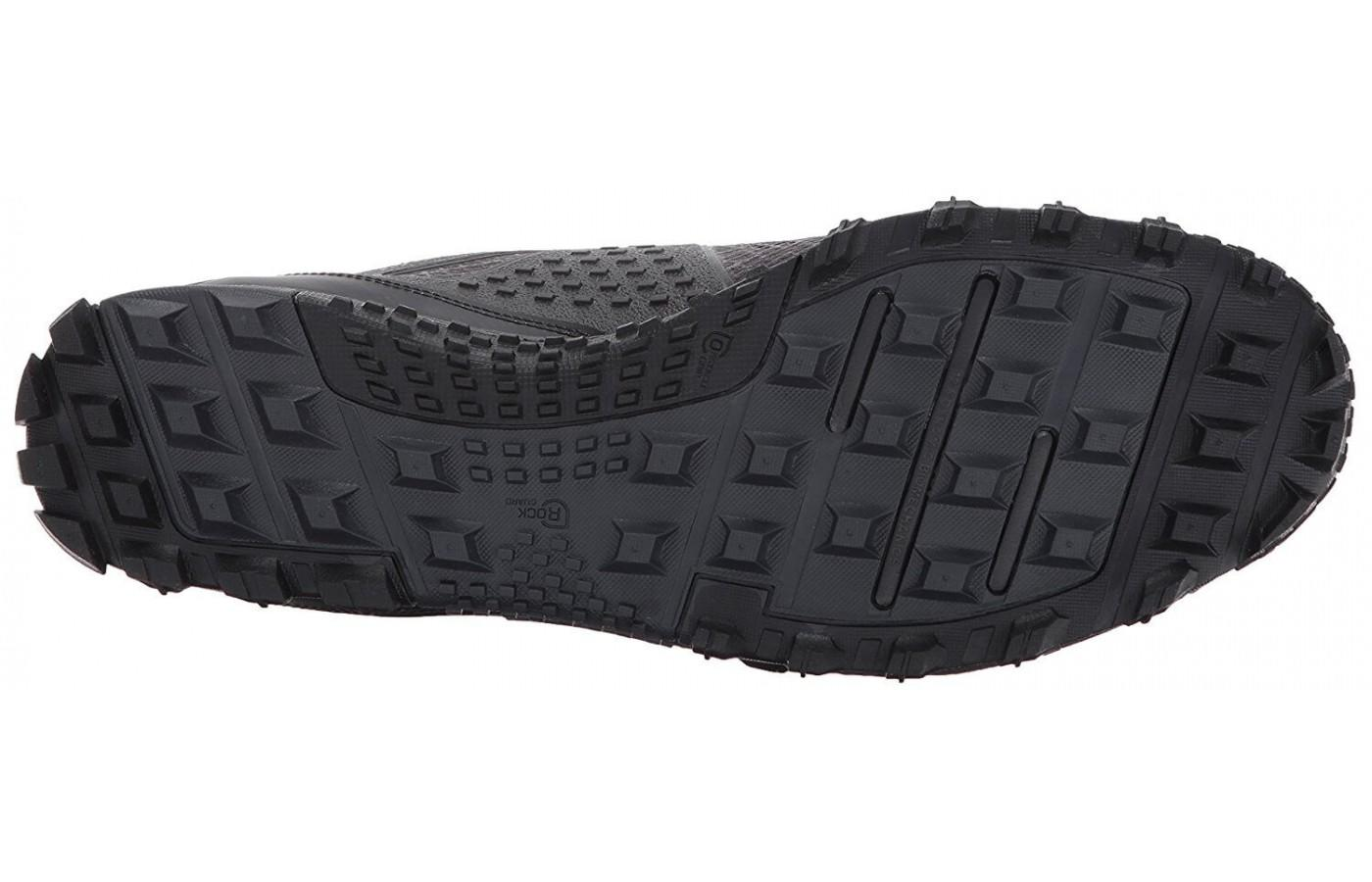 The underfoot is designed using an aggressive lug system.