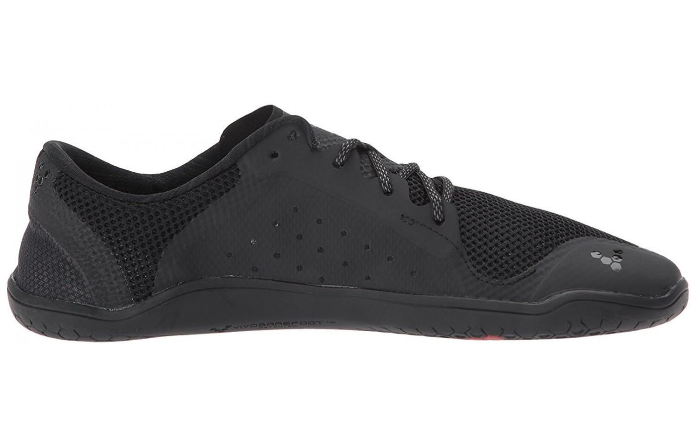 Zero heel drop is present in the Primus Lite midsole.