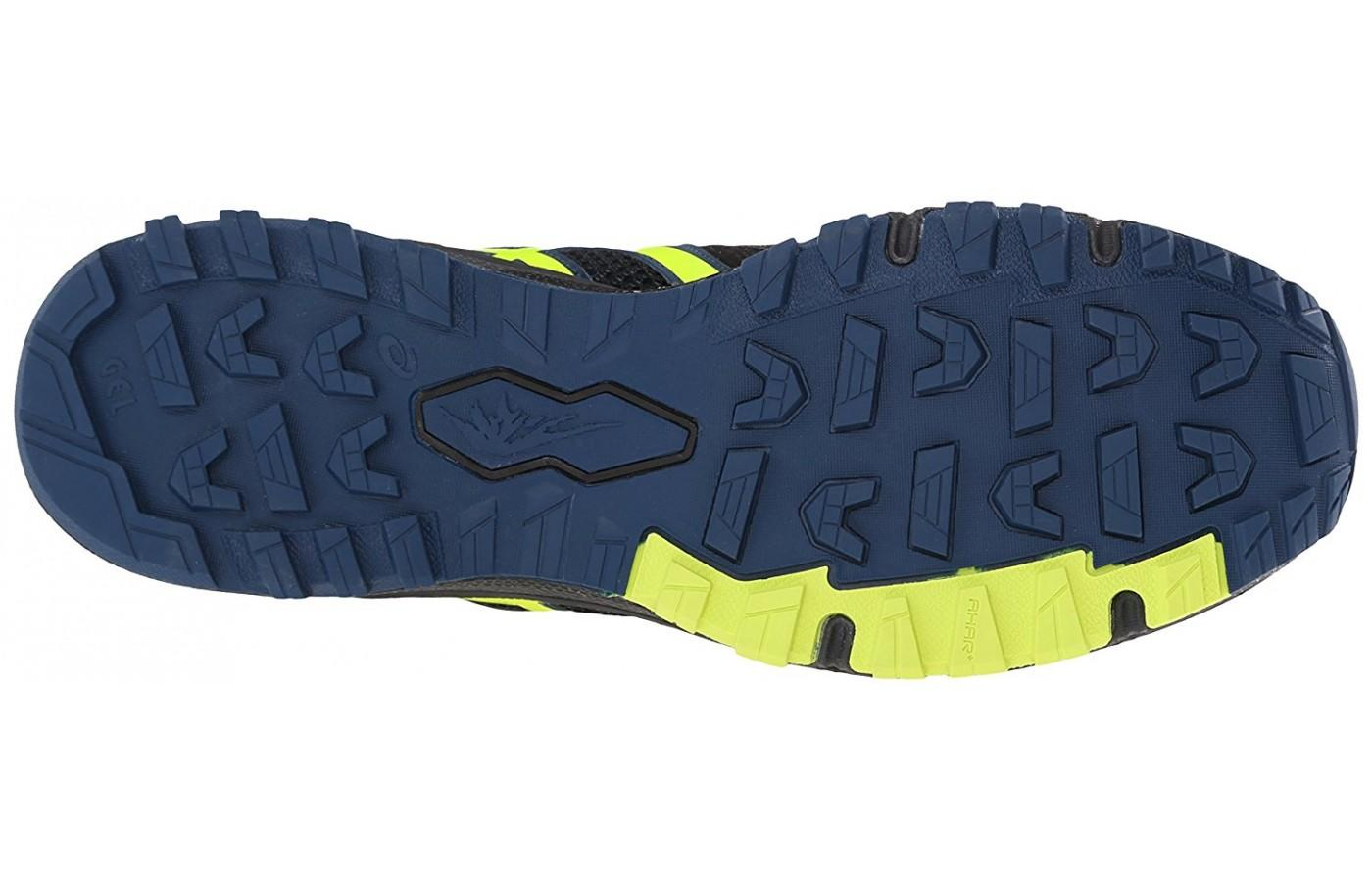 The aggresive outsole lugs and AHAR rubber can be seen here.