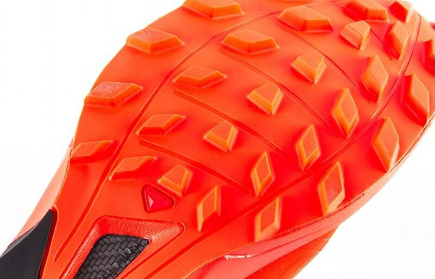The Salomon S-Lab Sense 6 SG has a Contagrip outsole