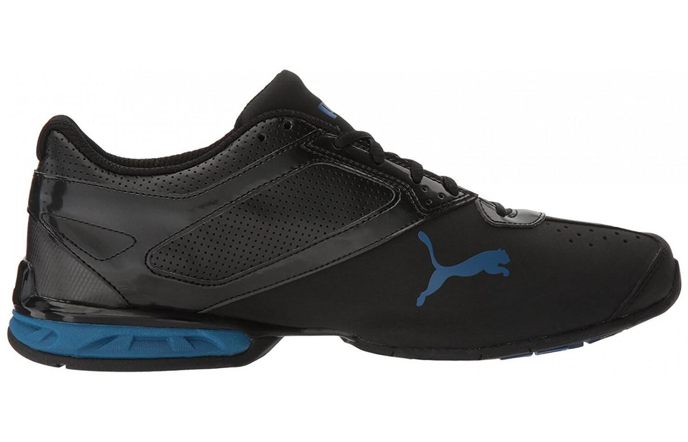 611e053269a The Puma Tazon 6 s sleek color design  The classic Puma logo is visible  here ...