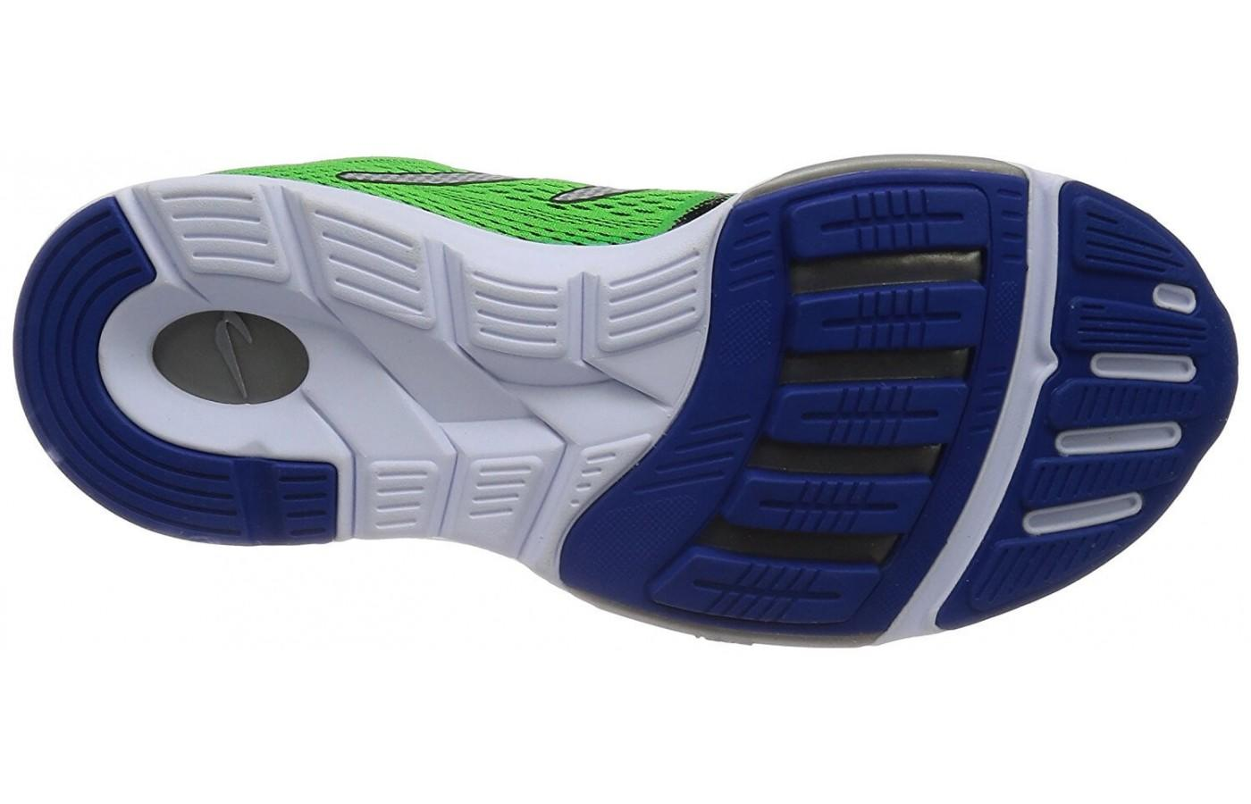 The unique outsole provides maximum responsiveness and grip.