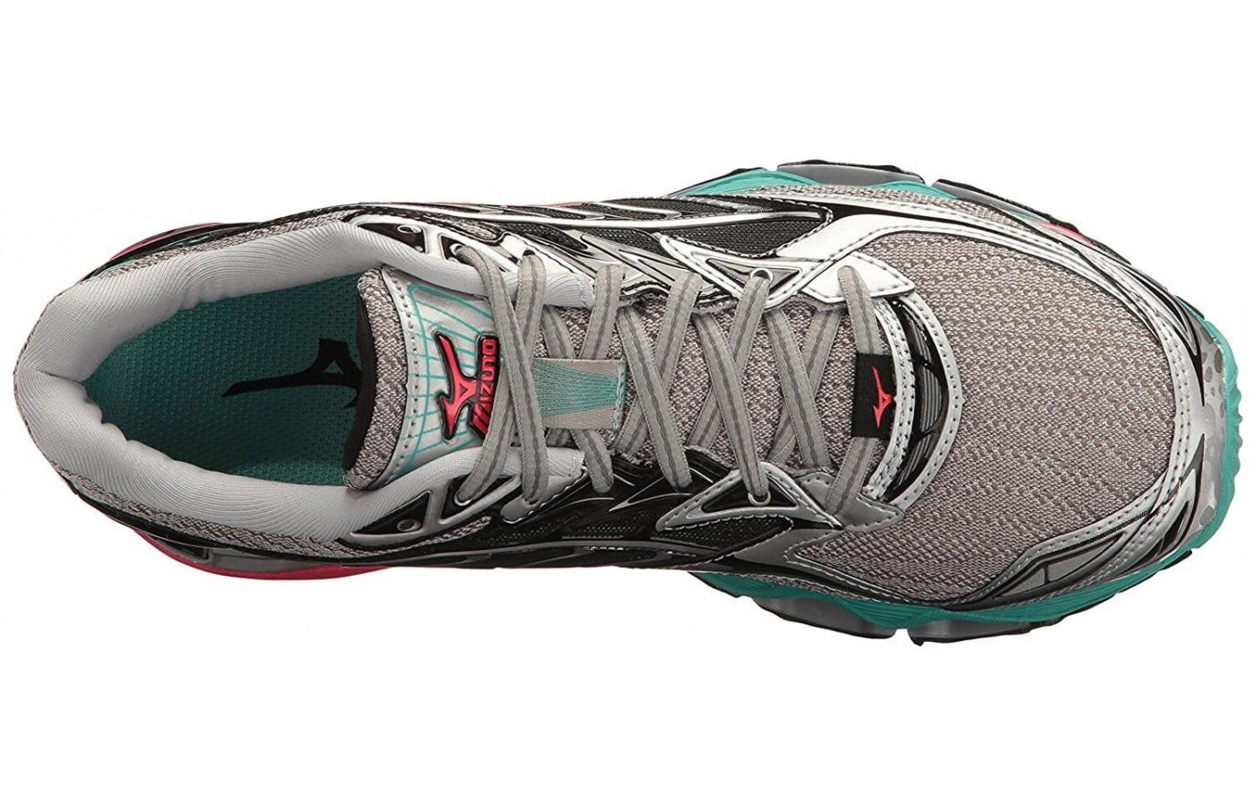 The AIRmesh of the upper allows for better circulation around feet, especially in the toe area.