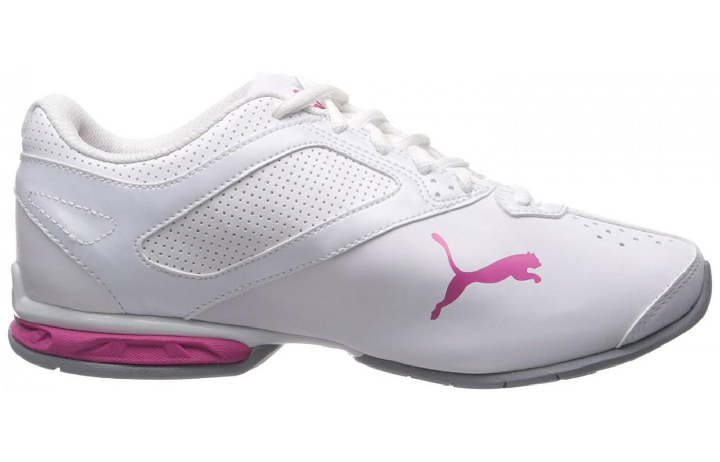 here is a look at the women's Tazon 6 in white