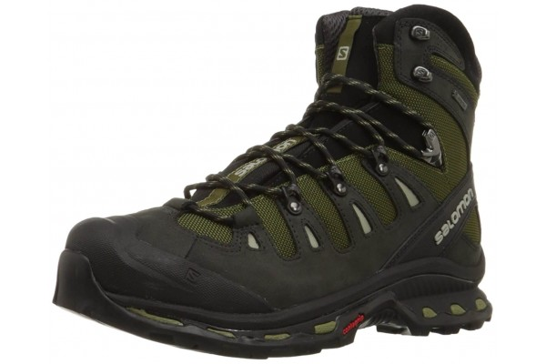 our list of the 10 best hiking boots fully reivewed