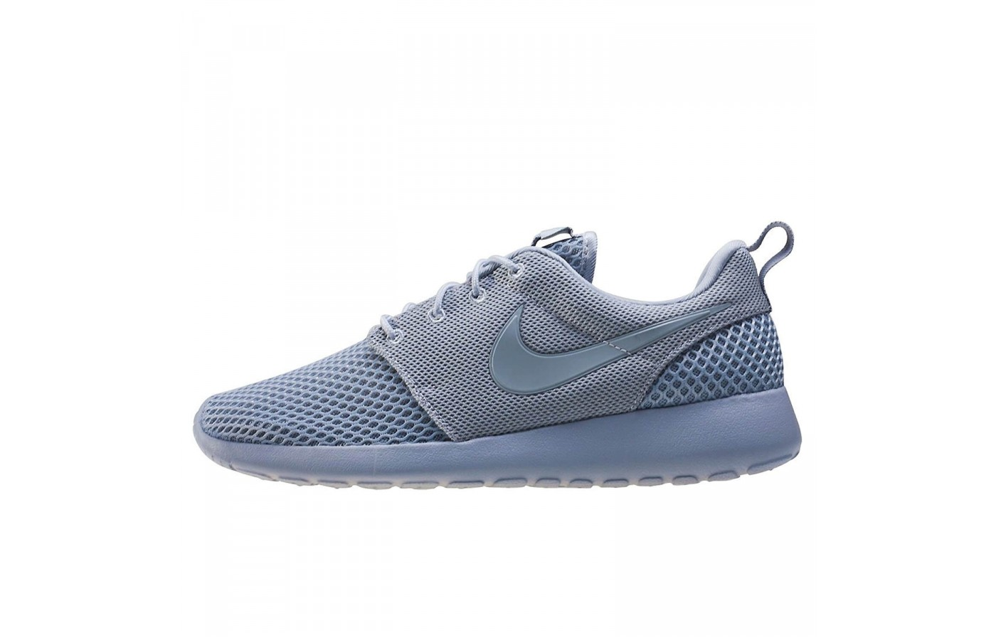 Nike's impeccable sense of style is conspicuously absent in the Roshe One SE.
