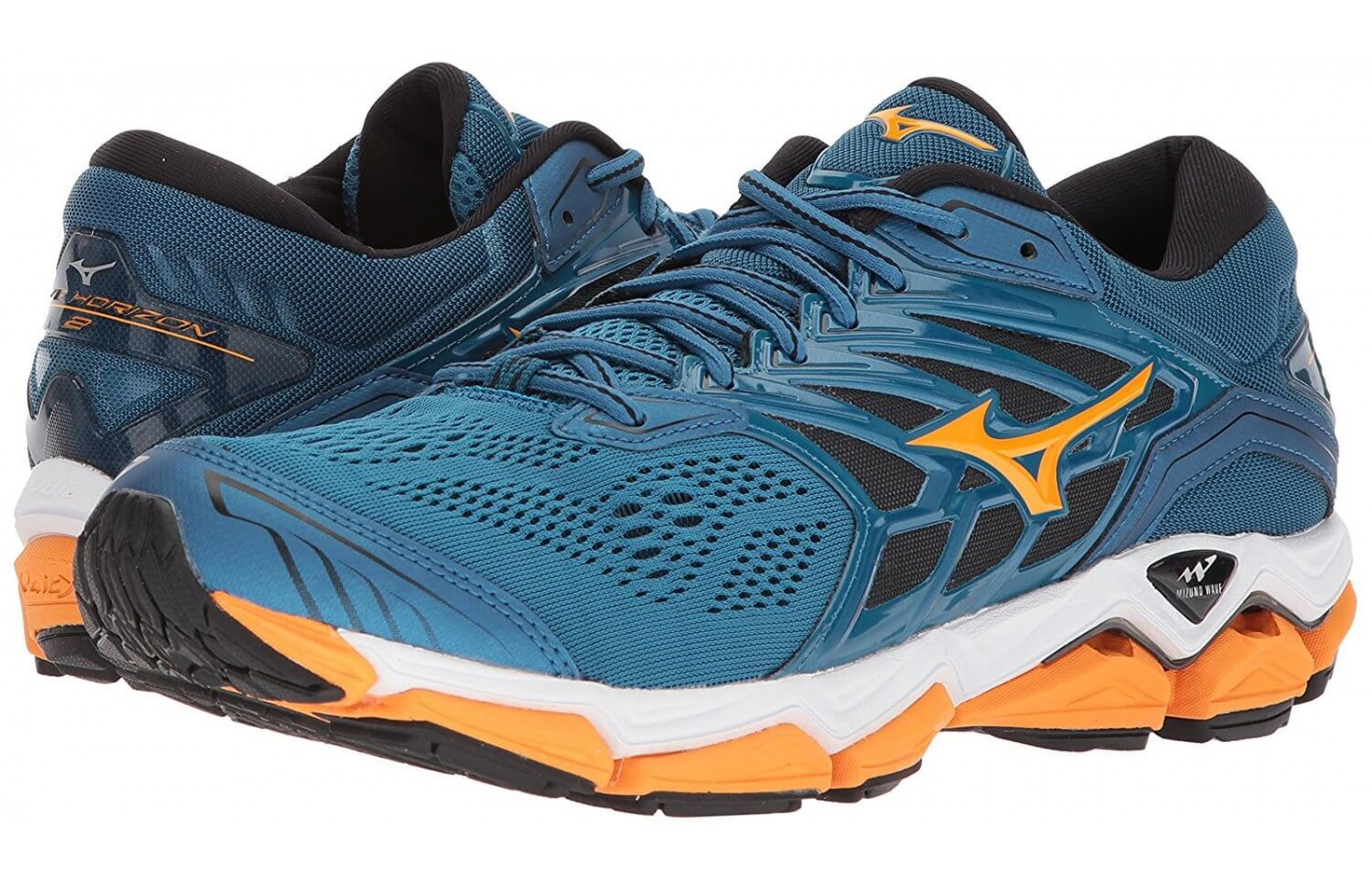 The Mizuno Wave Horizon 2 features a 3-layer midsole