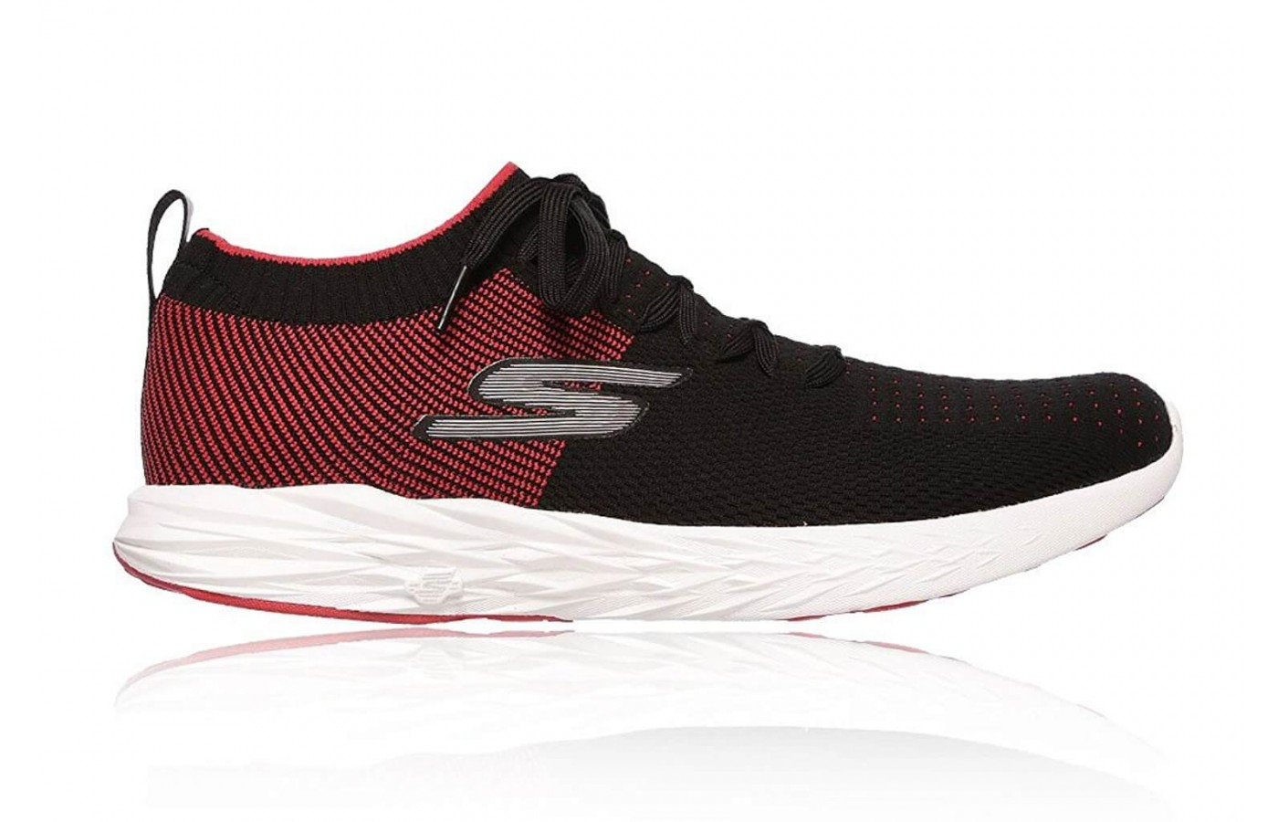 The Skechers GoRun 6 features reflective detailing