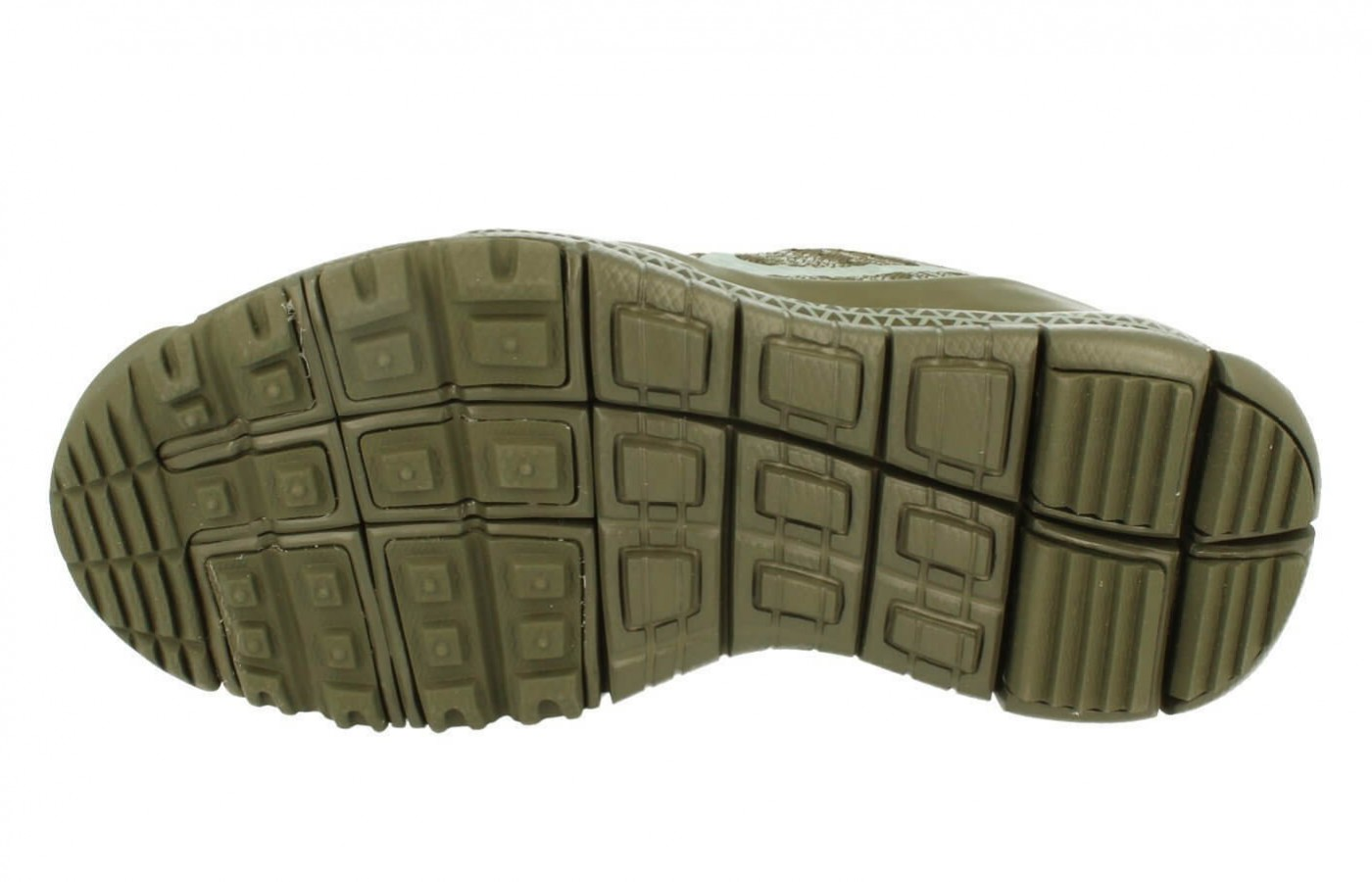 The rubberized pod design in the underfoot provides added traction