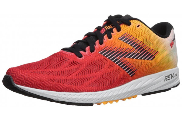 An in depth review of the New Balance 1400v6 lightweight racing shoe.