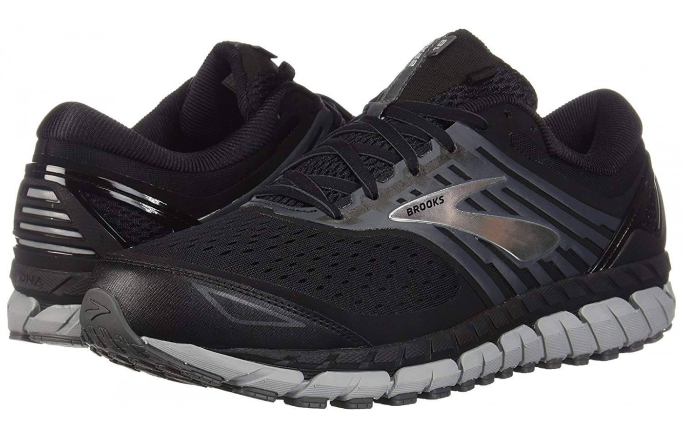 Brooks Beast 18 left right