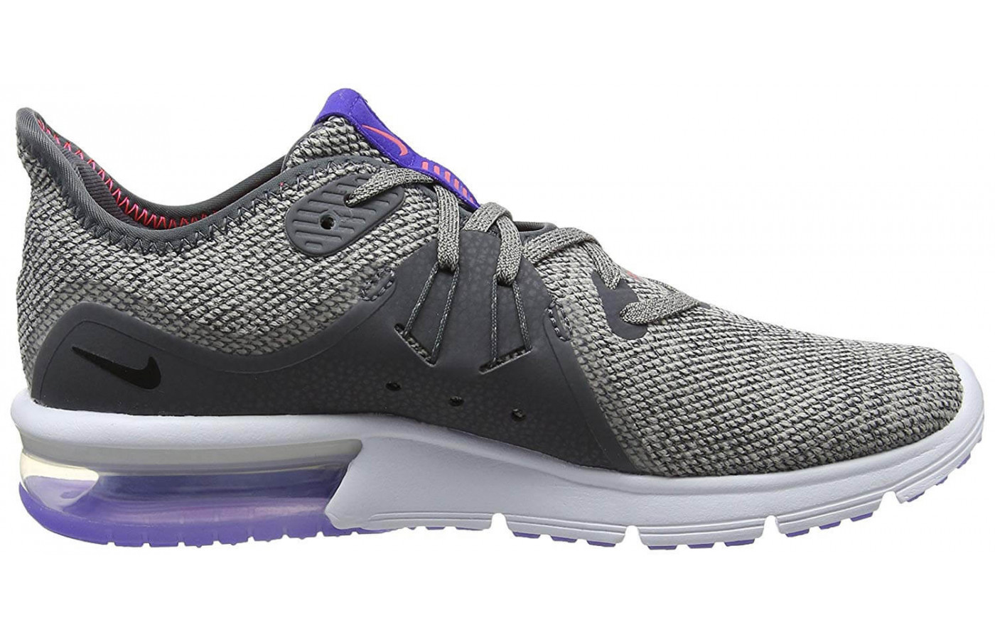The Air Max Sequent 3 features a Phylon midsole with an Air Max Unit