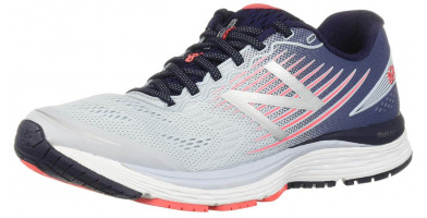 The New Balance 880v8's comfortable in shoe feeling will have everyone lining up to jump into these shoes.