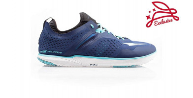 The Altra Kayenta features a uniquely-designed upper with a lightweight outer shell and moisture-wicking inner shell.