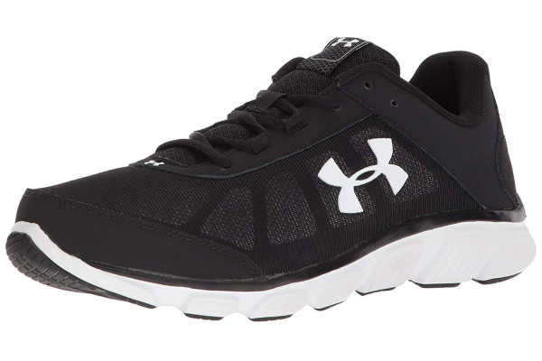 The upper of the Under Armour Micro Assert 7 is made up of foam and mesh which allow the sneaker to be very lightweight and breathable.