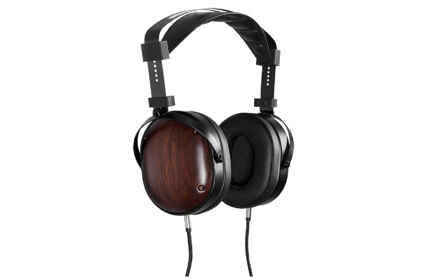 The Monolith M565C features a frequency response range of 15Hz to 50kHz.