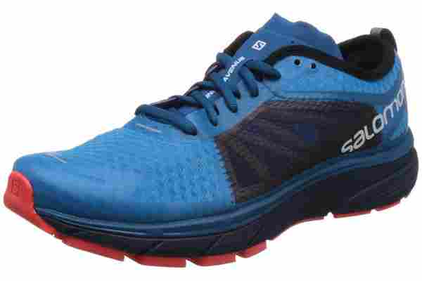 The Salomon Sonic RA is a competition shoe that's great for long distances.