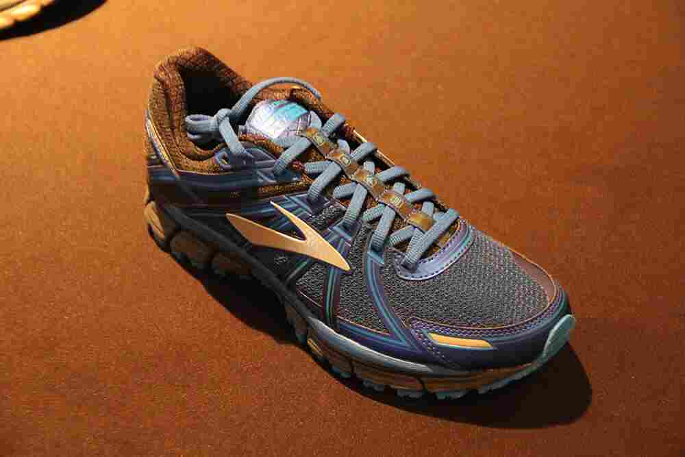 Brooks-adrenaline-asr-14-product-showcase