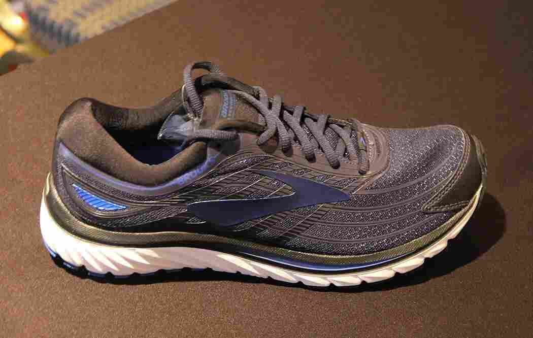 brooks-glycerin-15-showcase
