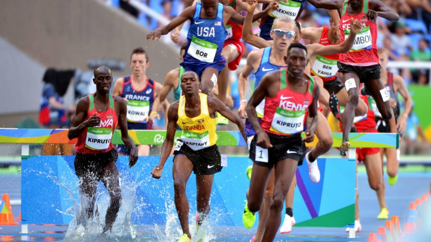 Check out these 6 elite runners you should be following online!