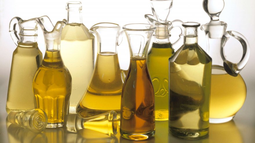 With the shelves chock full of a variety of cooking oils, find out which ones are the healthiest choices.