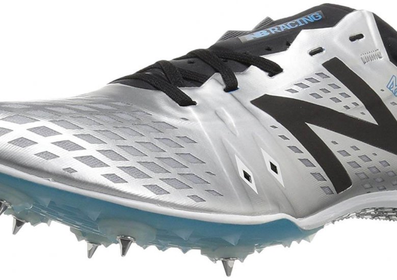 The New Balance MD800v5 has an upper made of mono mesh which is very breathable and durable.