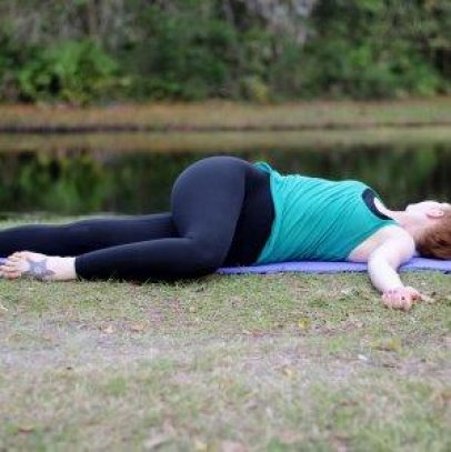 the 9 best yoga poses for runners  runnerclick