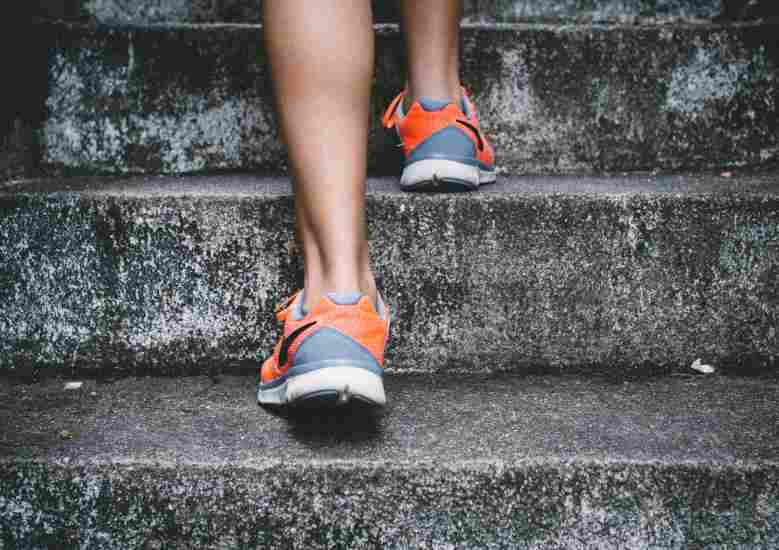an in-depth review of what runners should know regarding Achilles Tendinitis & Tears