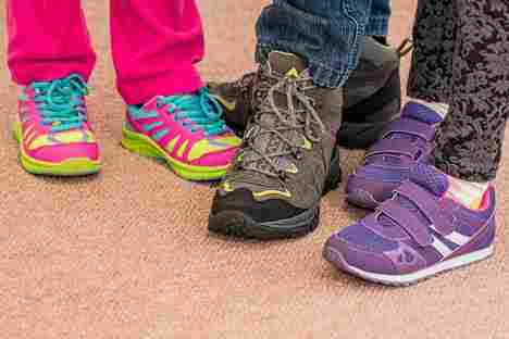 childrens-shoes-700069_1920