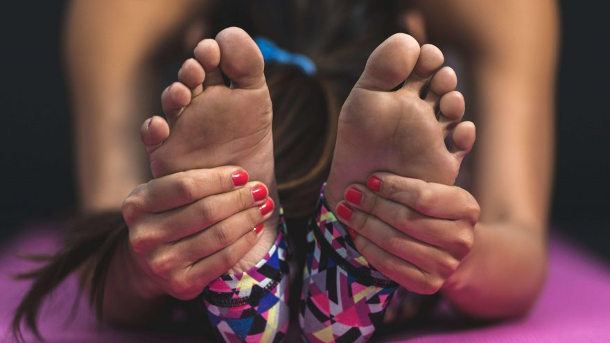 Should pain your feet stop you from running?