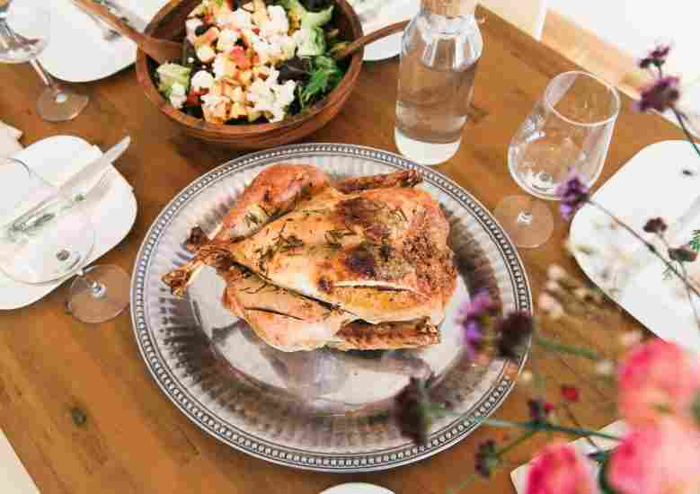 The holidays doesn't mean we need to give up on our healthy eating habits. These are great recipes that are still healthy and delicious.