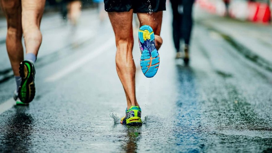 The Pros & Cons Of Waterproof Running Shoes
