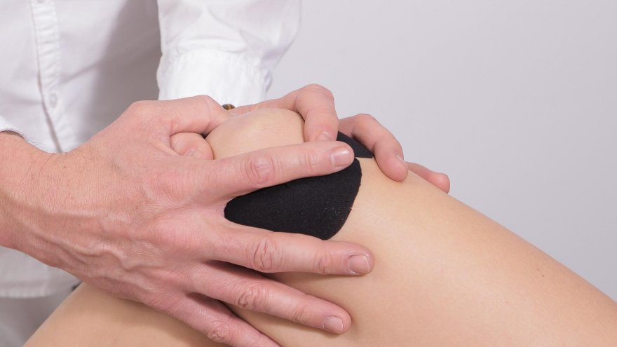 holistic treatments for knee pain