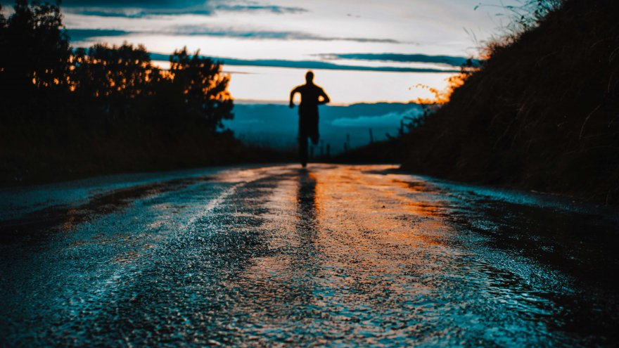 Running in the morning and at night both have benefits like de-stressing and socializing depending on the time of day.