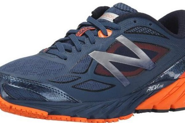 a comparison of the best pronation running shoes and what to look for when buying them