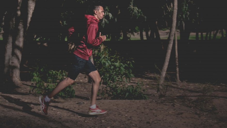 The long run pace should be conversational, but close to race day pace without sprints.