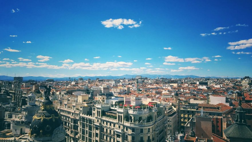 6 Reasons You'll Want to Run the Madrid Rock 'n' Roll Marathon & Half Marathon
