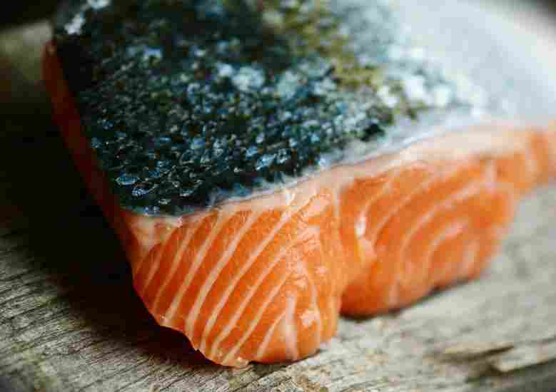 Salmon contains astaxanthin, a beneficial supplement for runners
